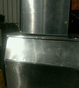 Used Manitowac 1000-Pound Ice Machine